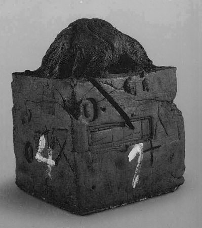 Antoni Tapies 1986 painted terracotta and painetd wood 57x35x35 cm 1